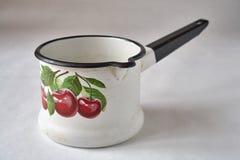 Gammal emaljcookware Royaltyfria Foton