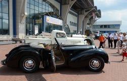Gammal engelsk bilTriumph roadster 1800 Arkivbilder