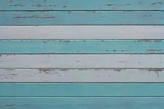 Gammal färgrik vit trävägg för blått och arkivfoto