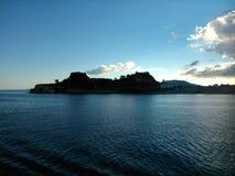 Gammal fästning av Korfu i eftermiddagen Arkivfoton