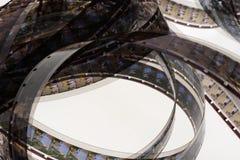 Gammal för mmfilm för realitet 16 remsa på vit bakgrund Royaltyfria Foton