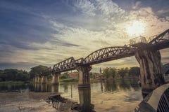 Gammal förstörd bro Arkivfoton