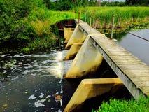 Gammal förstörd bro Arkivbilder