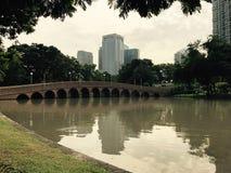 Gammal förstörd bro royaltyfria bilder