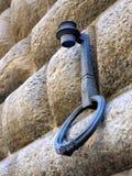 Gammal facklahållare och Hitching cirkel, Florence, Italien Arkivfoto