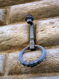 Gammal facklahållare och Hitching cirkel, Florence, Italien Royaltyfri Bild