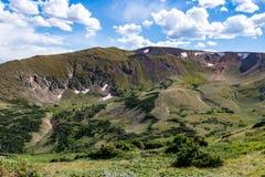 Gammal Fall River väg - nationalpark colorado för stenigt berg Royaltyfri Foto