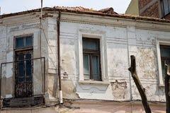 Gammal fasad av det gamla huset Royaltyfri Fotografi