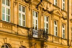Gammal fasad i den barocka perioden Arkivfoton