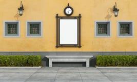 Gammal fasad med gatabilboard i klassisk stil Fotografering för Bildbyråer