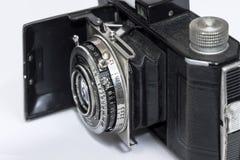 Gammal filmkamera i det öppna tillståndet, Produkten av det tidigt - århundrade för th 20 Arkivfoto