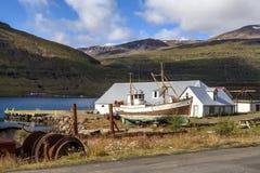 Gammal fiskebåt i Iceland3 Arkivbilder