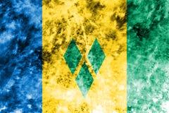 Gammal flagga för Saint Vincent och Grenadinerna grungebakgrund royaltyfri illustrationer