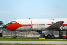 gammal flygplanlast royaltyfri foto