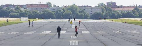 Gammal flygplats berlin Tyskland för Tempelhofer feld Arkivfoto