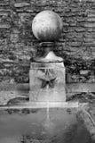 Gammal fontain Arkivbild