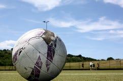 gammal fotboll för boll Royaltyfri Bild
