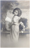 Gammal fotostående av den unga kvinnan Royaltyfria Bilder