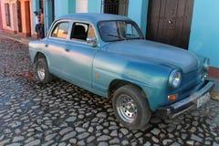 Gammal fransk bil i Trinidad Royaltyfria Foton