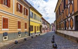 Gammal gata av den barocka staden av Varazdin, Kroatien fotografering för bildbyråer