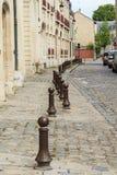 Gammal gata i liten fransk stad Fotografering för Bildbyråer