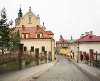Gammal gata i Przemysl poland Arkivbilder