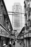Gammal gata i Shanghai Arkivfoton