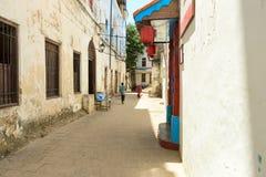 Gammal gata i stenstaden, Tanzania, Zanzibar Royaltyfri Bild