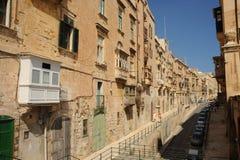 Gammal gata, Valletta, Malta. Royaltyfri Bild