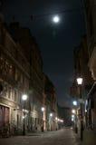 Gammal gata vid natt Fotografering för Bildbyråer
