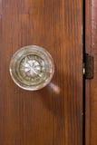 Gammal glass dörrknopp Arkivfoton