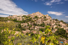 Gammal by Gordes i Provence, Frankrike Arkivbild