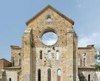 Gammal gotisk abbotskloster - abbotskloster av San Galgano, Tuscany, Italien Royaltyfria Foton