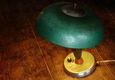 gammal grön lampa Arkivfoton