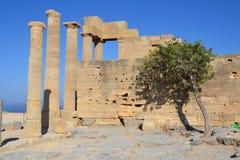 Gammal Grekland monument, Lindos, Rhodos Arkivfoto