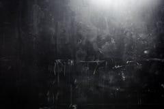 Gammal grungesvartvägg Arkivbild