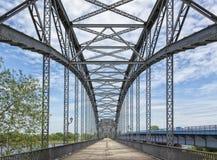 Gammal Harburg Elbe bro på Hamburg arkivfoton