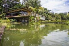 Gammal herrgård - stad parkera, Sao Jose Dos Campos - Brasilien royaltyfria bilder