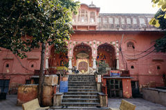 Gammal hinduisk tempel i Jaipur Royaltyfri Foto