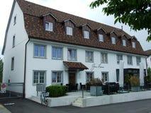 Gammal historisk byggnad i Kreuzlingen arkivfoto