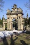 Gammal historisk fantastisk portal för neo-renässans stilkyrkogård i Horice i Tjeckien, solig dag fotografering för bildbyråer