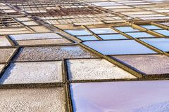 Gammal historisk saltdam i Janubio, Lanzarote fotografering för bildbyråer