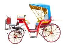 Gammal häst dragen vagn som isoleras på vit bakgrund Arkivbild