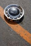 Gammal hubcap arkivfoto
