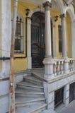 Gammal husingång, Balat, Fatih, område, Istanbul Arkivfoton
