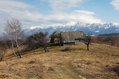 Gammal husplats för berg Arkivbild