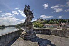 Gammal huvudsaklig bro Wurzburg, Tyskland royaltyfria foton