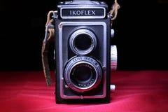 Gammal Ikoflex kamera Arkivfoton