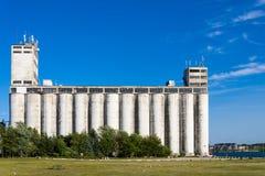 Gammal industriell lagringsbyggnad Arkivfoto