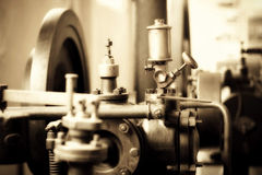 gammal industriell mekanism Arkivfoton